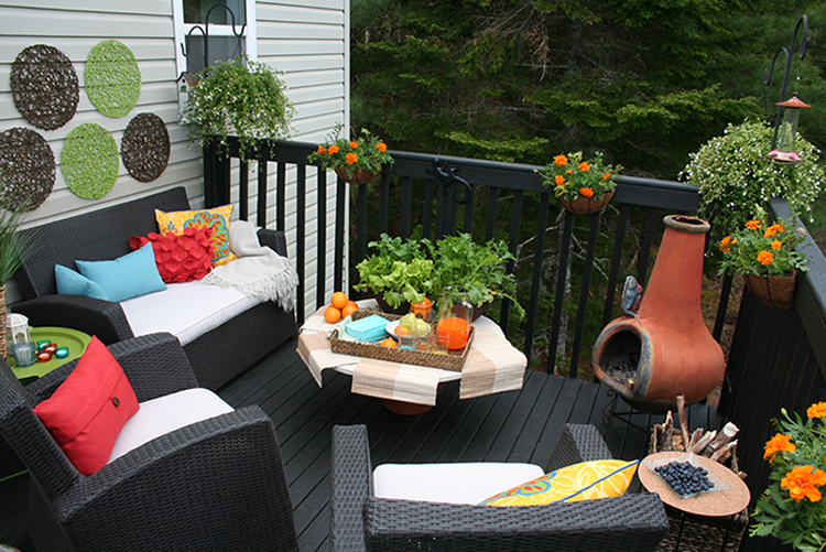Installation – Deck Decor – Using Tangerine Tango Colour as Inspiration